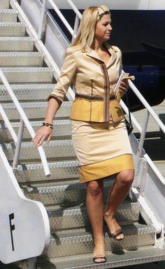 Princess Máxima of the Netherlands Nassau, Yellow Fashion, Royal Fashion, Royal Look, Royal Princess, Queen Maxima, African Wear, Elegant Woman, Dame