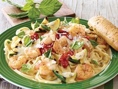 Shrimp Scampi Linguine (Applebee's)Succulent shrimp, grilled zucchini and pomodoro sauce on a bed of steaming linguine noodles tossed in a citrus scampi sauce. Sprinkled with our Parmesan cheese blend and torn basil.