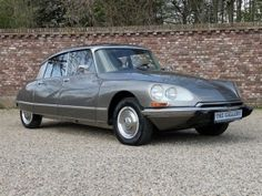 1972 Citroen DS 21 Pallas, my absolute favourite car, pure luxury and comfort. How I wish I was still driving a beauty like this.