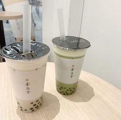 Bebida Boba, Yummy Drinks, Yummy Food, Comida Disney, Boba Drink, Bubble Milk Tea, Cafe Food, Aesthetic Food, Aesthetic Korea