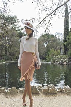 Invitada con falda Lima Madrid y Sister´s Tocados y complementos de Keli&Salo