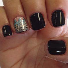 Dots nail art design