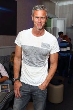 Silver Foxes/ you don't have to be super young to have style! Sexy older men - Mens Shirts Casual - Ideas of Mens Shirts Casual - Silver Foxes/ you don't have to be super young to have style! Sexy older men. Outfits Casual, Mode Outfits, Men Casual, Casual Hair, Casual Blazer, Casual Winter, Casual Jeans, Casual Summer, Casual Shoes