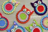 This is a PDF PATTERN for Crochet Owl Coasters/Appliques. The cute colorful ornaments that you can create with this pattern will be about 4 ¼ inches Crochet Owl Applique, Crochet Owl Purse, Owl Crochet Patterns, Crochet Birds, Crochet Motifs, Owl Patterns, Crochet Squares, Applique Patterns, Ravelry Crochet