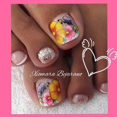 Feet Nail Design, Toe Nail Designs, Merry Christmas Gif, Feet Nails, Toe Nail Art, Pretty Nails, Pedicure, Hair Beauty, Lily