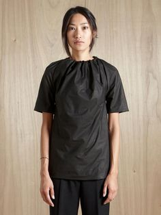 Women's Rick Owens for directional gothic aesthetic from Californian Rick Owens, featuring women's dresses, tops and pants. Art Conceptual, Rick Owens Women, Minimal Fashion, Catwalk, Stylish, My Style, Womens Fashion, Design, How To Wear