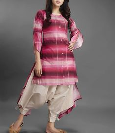 Kurti Sleeves Design, Sleeves Designs For Dresses, Dress Neck Designs, Frock Fashion, Fall Fashion Outfits, Women's Fashion Dresses, Stylish Dresses, Indian Designer Outfits, Designer Dresses