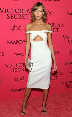 Fresh off the catwalk of the 2013 Victoria's Secret Fashion Show, Karlie Kloss continued to flaunt her curves at the afterparty in this underboob-baring Cushnie Et Ochs dress.