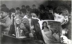 A finales de 1959, Martín Luis Guzmán, presidente de la (CONALITEG), informa que se dotó del texto de lectura a los alumnos del primer y segundo año de instrucción primaria. A cada alumno se le entregó un libro de lectura y un cuaderno de trabajo; ambos en la carátula presentan un dibujo de Miguel Hidalgo y Costilla, junto con Benito Juárez y Francisco I. Madero, mientras que a los maestros se les entregó el instructivo de cómo utilizar los libros en el aula.