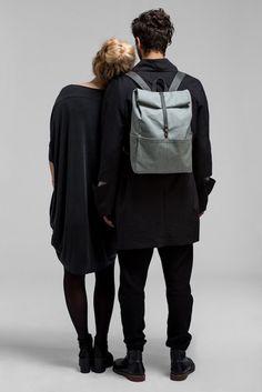 Der Unisex-Rucksack! Beschichtete Baumwolle und Leder, gepolstertes Laptop-Innenfach, auch in schwarz und blau...