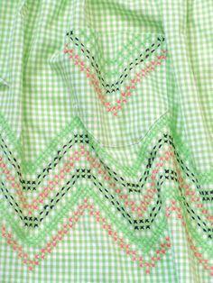 Delantal de algodón verde brillante por TheEstateJunky en Etsy