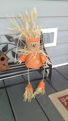 Clay pot Scarecrow for Fall decorating by GrammiesgoodsStore Fall Crafts, Crafts To Make, Diy Crafts, Clay Pot People, Clothespin Dolls, Fall Diy, Garden Crafts, Clay Pots, Favorite Holiday