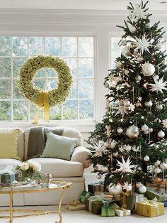 Weihnachtsbaum Deko - haben Sie den Tannenbaum schon verziert? - http://wohnideenn.de/weihnachtsdekoration/10/weihnachtsbaum-deko-tannenbaum-verzieren.html #Weihnachtsdekoration