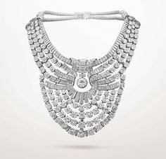 29 Vendôme - Bijoux et Haute Joaillerie : Créé pour la reine Nazli d'Égypte, un exceptionnel collier en platine serti de 673 diamants rejoint la Collection Van Cleef & Arpels