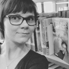 Stadtbibliothek Greven: Es ist Shelfie-Zeit! In diesem Fall zusammen mit Harry Potter - dieser dritte Band ist im Übrigen auch einer meiner Lieblings-Harry-Potter-Bände.