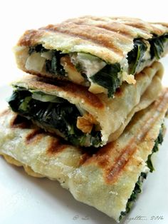 Turkish Recipes 36357 Gozleme with Swiss chard, goat cheese and walnuts ·%%%% Vegetarian Wraps, Vegetarian Pasta Dishes, Vegetarian Recipes, Healthy Recipes, Lebanese Recipes, Turkish Recipes, Ethnic Recipes, Batch Cooking, Healthy Cooking