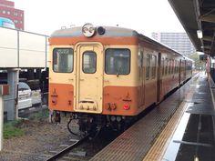 ひたちなか海浜鉄道のキハ205。国鉄→JR西日本→水島臨海鉄道を経た流れ者。国鉄風のカラーリングになっている。