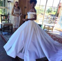 Samira Wiley Still not over Samira Wiley's Christian Siriano wedding dress. White Wedding Dresses, Bridal Dresses, Wedding Gowns, Prom Dresses, Formal Dresses, Wedding Venues, Christian Siriano, Wedding Bells, Wedding Day