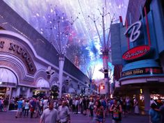 Fremont Experience Las Vegas : Las Vegas tips: http://www.tipsfortravellers.com/las-vegas-usa-tips-for-visitors-and-travellers/