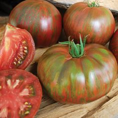 """Grow Organic Tomatoes Pink Berkeley Tie-Dye days) -For slicing """"sweet, spice, and acid"""" Tips For Growing Tomatoes, Growing Tomato Plants, Growing Tomatoes In Containers, Grow Tomatoes, Best Tasting Tomatoes, Cherokee Purple, Beefsteak Tomato, Tomato Farming, Tomato Seeds"""