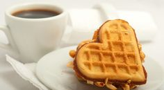 Waffle House, Pancakes And Waffles, Belgium, Donuts, Coffee Cups, French Toast, Cottage, Collections, Friends
