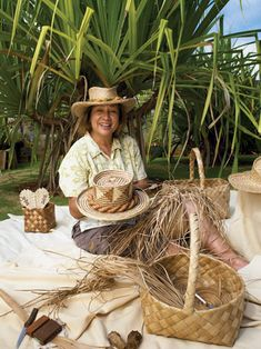 There's a small but skilled group of local artisans who practice crafts that were important to ancient Hawaiians. How can they make a living when foreign imitations of their work sell for much less? Hawaiian Hats, Hawaiian Print, Hawaii Hula, Kona Hawaii, All About Hawaii, Haku, Hawaii Hotels, Polynesian Art, Hat Decoration