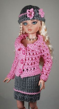 Crochet Doll Dress, Crochet Barbie Clothes, Crochet Doll Pattern, Knitted Dolls, Girl Doll Clothes, Barbie Knitting Patterns, Knitting Dolls Clothes, Barbie Patterns, Barbie Wardrobe