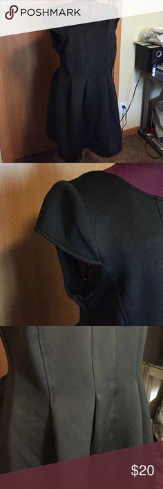 Black dress Size XL. Smoke free home. Never worn. Short cap sleeves. Flattering pleats. Metaphor Dresses Midi