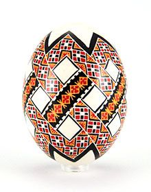 Hand-painted Easter eggs – Duck eggs in batik technique – gleaming Ukrainian Easter Eggs, Ukrainian Art, Prize Eggs, Carved Eggs, Easter Egg Designs, Egg Crafts, Easter Traditions, Faberge Eggs, Easter Crochet