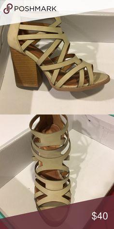 Thick heeled tan shoes Thick heeled tan shoes Qupid Shoes Heels
