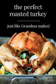 How to cook a turkey is an easy recipe for beginners that want to cook a whole turkey in a roasting pan without a rack for Thanksgiving. It shows you what herbs are best for seasoning a bird so your u Cook Turkey In Oven, Oven Roasted Turkey, Baked Turkey, Cooking Turkey, How To Cook Turkey, Turkey In Roaster Oven, Turkey Pan, Moist Turkey, Cooking Kale