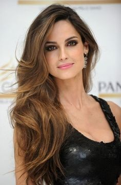 683f2252769 #BRUNETTE #LONG #HAIR Wavy Hairstyles, Pretty Hairstyles, Side Part  Hairstyles,