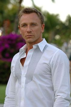 """Daniel Craig as Roldemir Dosnia in my story """"Mixed Blood""""   Blond man with beautiful blue eyes!!"""