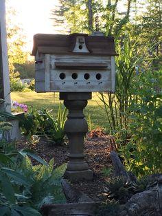 Cool Bird Houses, Bird House Feeder, Porch Garden, Butterfly House, Bird Cages, Farm Yard, Yard Art, Garden Projects, Rustic