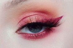 """[☁︎] — 𝒉𝒐𝒏𝒆𝒚𝒚𝒎𝒊𝒍𝒌 History of eye makeup """"Eye care"""", put simply, """"eye make-up"""" has long Makeup Goals, Makeup Inspo, Makeup Art, Makeup Inspiration, Makeup Tips, Makeup Ideas, Makeup Trends, Makeup Quiz, Makeup Salon"""