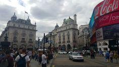 뉴욕의 타임스퀘어와 비슷한 느낌의 피카딜리 서커스!