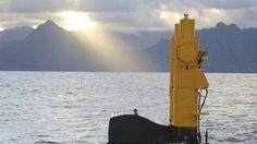 Azura: é um gerador de energia das ondas sendo testado atualmente no Havaí. Diferente de outros exemplos de energia das ondas, o Azura extrai energia tanto dos movimentos verticais quanto horizontais das ondas e consegue gerar 20 quilowatts de energia. Crédito: AzuraWave