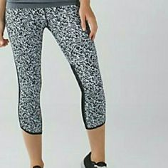 """NWT lululemon pace pusher crop with mesh NEW WITH TAGS! SoulCycle NY, Limited Edition, zebra print with mesh. *water-resistant Block-It Pocket? helps protect against serious sweat *sweat-wicking Luxtreme? fabric fits like a second skin *Mesh behind the knees adds ventilation *LYCRA? fibres add great shape retention *high rise, 21"""" (mid-calf) inseam lululemon athletica Pants Ankle & Cropped"""