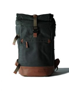 546f6a864c compagnon backpack dark green light brown 601-1-shop Leather Work Bag