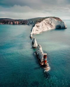 Coastal scenery of Isle of Wight 🌊 Photo by Places To Travel, Places To See, Travel Destinations, Magic Places, Lighthouse Pictures, Isle Of Wight, Southampton, Wonders Of The World, Adventure Travel