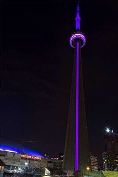Toronto grieves and pays tribute to #Prince