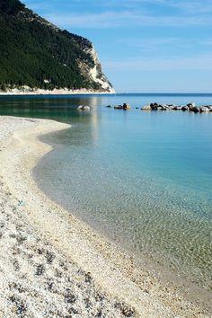 Spiaggia San MIchele, Sirolo (Ancona) - photo by Roberto Breccia