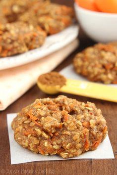 Clean-Eating Carrot Cake Oatmeal Cookies -- these skinny cookies don't taste…