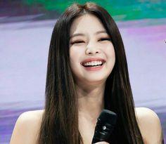 South Korean Girls, Korean Girl Groups, Aesthetic Women, Jennie Kim Blackpink, Blackpink Memes, Blackpink Photos, Blackpink Jisoo, Look At You, Kpop