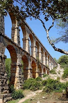 Roman aqueduct, also known as Pont del Diable (2th century A.D.), Tarragona, Catalonia.