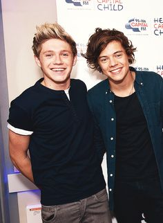 narry looking freaking adorable. oh my gosh look at their smiles dawww
