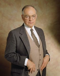 Richard Dysart  The L.A. Law star died April 5 at 86 after a long illness. Dysart won an Emmy in 1992 for playing Leland McKenzie on L.A. Law. His other film and television credits include Being There, The Thing and Wall Street.