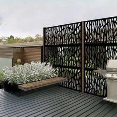 80 Awesome Modern Garden Fence Design For Summer Ideas Privacy Screen Outdoor, Backyard Privacy, Privacy Screen Deck, Pergola Patio, Pergola Kits, Backyard Patio Designs, Backyard Landscaping, Backyard Ideas, Patio Ideas