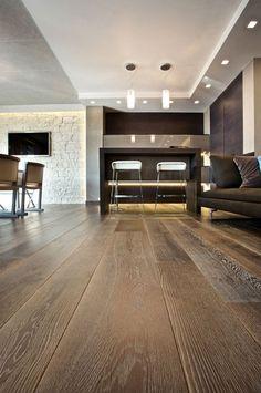 Rovere Musk ANTICO E' Produzione di pavimenti in legno antico e nuovo, boiseries, scale, battiscopa.