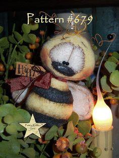 "Patti's Ratties Primitive Bumble Bee Bug Ornament 4"" Doll Ornie Pattern 679"